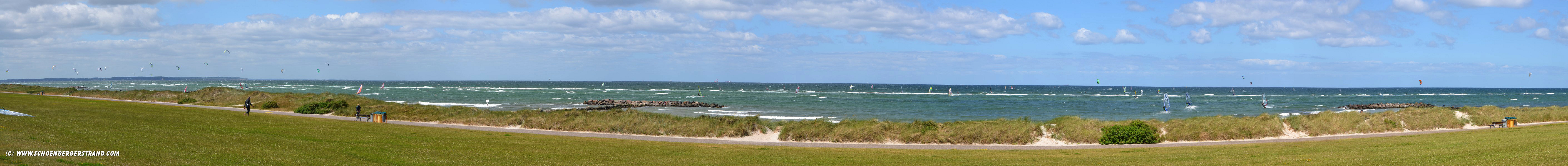 Surfer bei Sturm in Heidkate